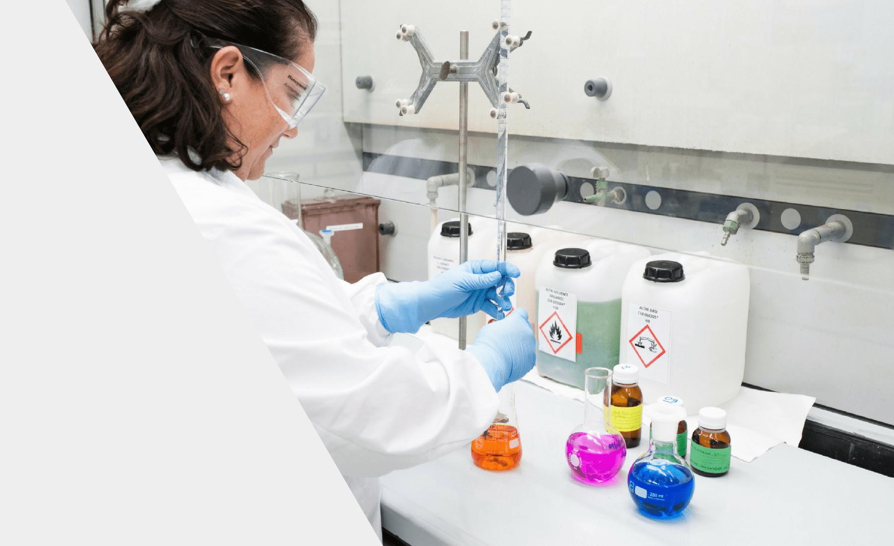 Laboratorio chimico di Farmigea